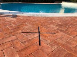 croce su pavimento