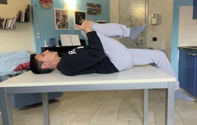 test psoas persona sdraiata su un tavolo